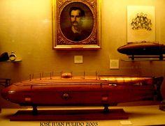 Museo marítimo de Barcelona. Maqueta del submarino diseñado por Monturiol. (1856-1859) Maritime Museum of Barcelona. Scale model of the submarine designed by Monturiol. (1856-1859)