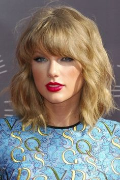 Long bob mosso come Taylor Swift