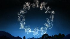 En la antigüedad el único mecanismo de localización eran el cielo y las estrellas. Nuestros ancestros leían las constelaciones y analizaban las formas para darle un sentido a su camino. Además, el cielo era el instrumento con el que los mortales se comunicaban con sus dioses, los antiguos griegos entonces comenzaron a darle un símbolo …