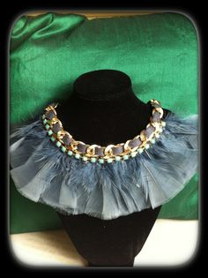 Collar plumas gris chic Christmas Shopping, Chic, Recycling, Jewelry, Fashion, Scarves, Fashion Jewelry, Chokers, Chains