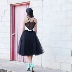 black and white with a pop of mint, lace and Space 46 tulle skirt go hand in hand. outfit inspiration