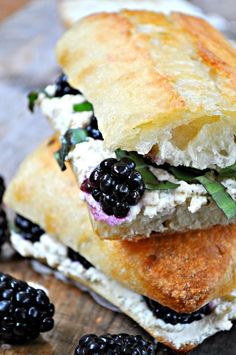 Vegan Blackberry, Basil and Ricotta Pressed Sandwich – Rabbit and Wolves The greatest summer time pressed sandwich! Blackberries, basil and vegan ricotta, drizzled with agave and pressed to perfection! Healthy Vegan Dessert, Vegan Foods, Vegan Lunches, Vegan Snacks, Pressed Sandwich, Whole Food Recipes, Cooking Recipes, Eat Better, Vegetarian Recipes