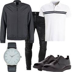 Jeans skinny fit nero leggermente strappato abbinato a polo manica corta. Giacchetto primaverile con chiusura a zip centrale. Stringate basse e orologio con fibbia.