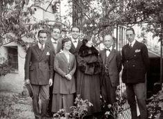 La Granada de Luneta Bridesmaid Dresses, Wedding Dresses, Reyes, Costume, Google, Old Pictures, Federico Garcia Lorca, Vintage, Antigua