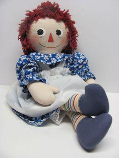 Handmade Molly-'es Raggedy Ann. Created by Joan Oest.