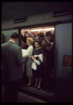 Matthew-Salacuse_subway, Rare 1950′s color slide of the New York City subway system at rush hour