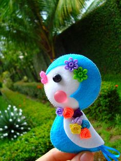*FELT ART ~ blue bird -felt, buttons and beads; crafts