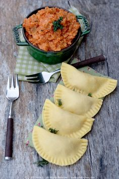 tuscan ravioli filled with tomato bread soup