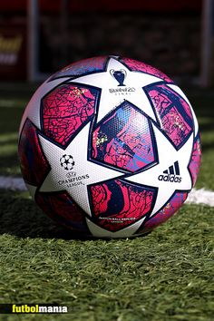 Ronaldo Football, Fifa Football, Football Uniforms, Adidas Football, Football Soccer, Barcelona Champions League, Uefa Champions League, Nike Soccer Ball, Football Images