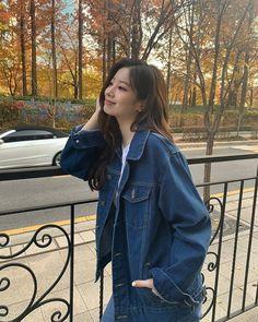 "misa •ᴗ• on Twitter: ""Dahyunstagram's aesthetics... she's an absolute queen 😭🤍 @JYPETWICE… "" Nayeon, Kpop Girl Groups, Korean Girl Groups, Kpop Girls, Twice Tzuyu, Twice Dahyun, Sooyoung, Daehyun, My Girl"