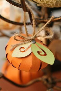 paper pumpkin tree