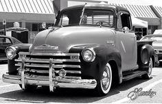 Antique Trucks, Vintage Trucks, Antique Cars, Old Pickup Trucks, Chevy Trucks, Classic Trucks, Classic Cars, Lo Rider, Lowrider Trucks