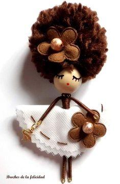 Best 12 Doll brooch by AlexandraStanShop on Etsy – SkillOfKing. Yarn Dolls, Felt Dolls, Fabric Dolls, Doll Toys, Tiny Dolls, Ooak Dolls, Clothespin Dolls, Flower Fairies, Wooden Dolls