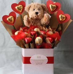 A Valentine Sweet Bouquet Valentine Gift Baskets, Valentines Sweets, Valentine Day Crafts, Jill Valentine, Diy Bouquet, Candy Bouquet, Chocolate Flowers Bouquet, Candy Arrangements, Valentine Bouquet