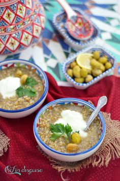 Freekeh Soup - a delicious, healthy and hearty Middle Eastern soup! Veggie Recipes, Soup Recipes, Vegetarian Recipes, Rice Recipes, Veggie Food, Freekah Recipes, Recipies, Middle East Food, Middle Eastern Recipes
