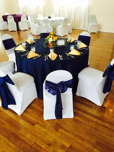 Beautiful navy and soft yellow contrast! #fcc #weddings #navyandyellow #classic