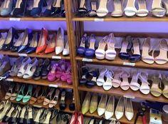 Nếu bạn đang muốn tìm kiếm cho mình một shop giày nữ giá rẻ với nhiều mẫu sản phẩm Hit trên thị trường, kèm theo đó là những chính sách hỗ trợ khách hàng cực tốt thì hãy đến với Foxshop để check in bạn nhé!  http://foxshop.vn/foxshop-shop-giay-nu-gia-re-nhieu-mau-giay-nu-dep-khuyen-mai-cuc-soc