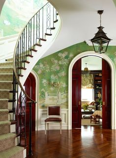 Wallpaper In The Entry Foyer: Yay or Nay? The mural in this entrance foyer continues right on up the stairs Hand Painted Wallpaper, Of Wallpaper, Gracie Wallpaper, Wallpaper Staircase, Trendy Wallpaper, Interior Exterior, Interior Design, Interior Doors, Interior Architecture