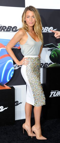 Blake Lively in grey tank top with two-tone sequined and white pencil skirt with nude heels. #prom #promdress #formaldress #inspiration