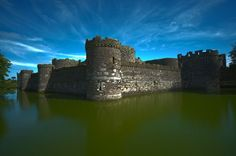Haunted Beaumaris Castle, Wales Visitors to the castle have reported strange sightings over the centuries. The castle's most active spot seems to be its chapel where people have reported the sound of. Welsh Castles, Castles In Wales, Wales Castle, Wales Country, Château Fort, Fairytale Castle, Snowdonia, World Photo, Medieval Castle