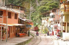 Ciudad de Agua caliente en Peru Agua caliente Town in Peru