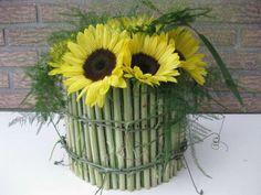 Bloemstukje met zonnebloemen