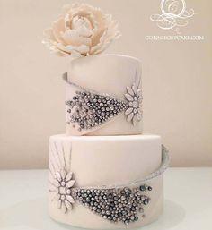 Luxurious Sparkling Wedding Cake