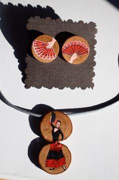 Art to wear. Handmade jewelry. Olive wood, acrylic paint