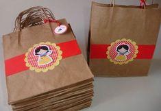 Materiais escolares podem ser colocados nas sacolinhas surpresas. (Foto: divulgação)