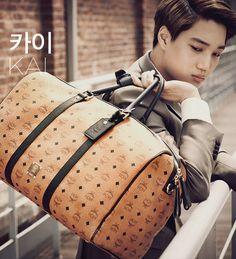 Kai exo MCM I want the bag and him x___x Suho Exo, Kaisoo, Exo Kai, Exo Korean, Korean Star, 2ne1, Btob, Culture Pop, Best Purses
