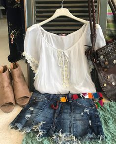 #ootd #outfitoftheday #lookoftheday #Me #fashion #fashiongram #style #love #beautiful #currentlywearing #lookbook #wiwt #whatiwore #whatiworetoday #ootdshare #outfit #clothes #wiw #mylook #fashionista #todayimwearing #instastyle #bohofashion #instafashion #outfitpost  #fashiondiaries @carriesclosetshop