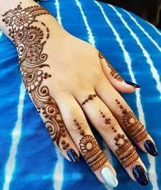 Mehandi design has a Different place in our heart. Keep this above statement in our mind we come with a great collection of lastest Mehandi Design. Mehndi Designs For Kids, Henna Tattoo Designs Simple, Mehndi Designs Feet, Back Hand Mehndi Designs, Mehndi Designs Book, Mehndi Designs 2018, Mehndi Designs For Beginners, Simple Arabic Mehndi Designs, Mehndi Design Photos