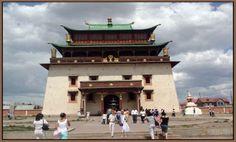Gandan Kloster Ulan Bator im Mongolei Reiseführer http://www.abenteurer.net/2423-mongolei-reisefuehrer/