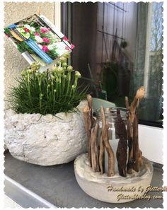 Windlicht aus Beton mit Schwemmholz DIY Hier gehts zur Anleitung: https://glitterkleeblog.com/2017/04/11/windlicht-aus-beton-und-schwemmholz-diy/?iframe=true&theme_preview=true