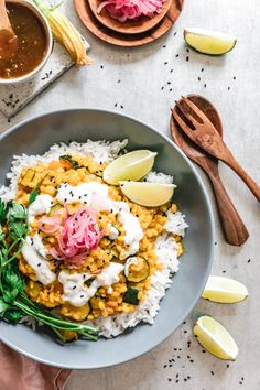 Mung Dhal mit Zucchini