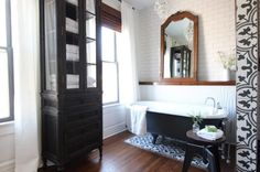 The Reason This Master Bathroom Is So Spacious Will Surprise You