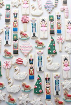 Pico Projector, Arkon Mount and Nutcracker Decorated Cookies Christmas Sugar Cookies, Christmas Sweets, Christmas Goodies, Holiday Cookies, Christmas Baking, Halloween Cookies, Diy Christmas, Iced Cookies, Cute Cookies