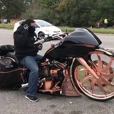 Motorcycles and scooter - Chariot of the gods Bagger Motorcycle, Motorcycle Travel, Motorcycle Design, Motorcycle Style, Ninja Motorcycle, Motorcycle Tips, Motorcycle Quotes, Custom Baggers, Custom Choppers