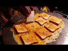 India Street Food - GIANT BREAD OMELETTE