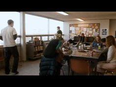 Filme com temática sobre autismo - Donald Morton (Josh Hartnett) e Isabelle Sorenson (Radha Mitchell) sofrem da síndrome de Asperger, uma espécie de autismo que provoca disfunções emocionais. Donald trabalha como motorista de táxi, adora os pássaros e tem uma incomum habilidade em lidar com números. Ele gosta e precisa seguir um padrão em sua vida, para que possa levá-la de forma normal. Entretanto ao conhecer Isabelle em seu grupo de ajuda tudo muda em sua vida, por estar apaixonado por…
