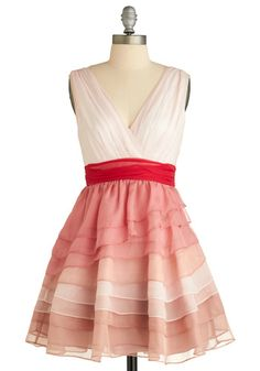 What a feminine and classy dress -- If only I had some place to wear a dress like this