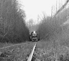 TC, Silver Point, Tennessee, 1965 Tennessee Central Railway freight train negotiates deep cut near top of hill at Silver Point, Tennessee, in June 1965. Photograph by J. Parker Lamb, © 2016, Center for Railroad Photography and Art. Lamb-02-024-12