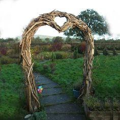 Gartenbogen aus Treibholz