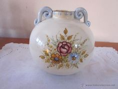 Antiguo jarrón de porcelana firmado                              …