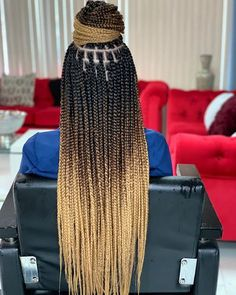 box braids with color . box braids with curly ends . box braids hairstyles for black women . box braids with curly hair Blonde Box Braids, Braids For Black Hair, Ombre Box Braids, Braids For Black Women Box, Colored Box Braids, Black Girl Braids, Box Braids Women, Braids With Color, Triangle Box Braids