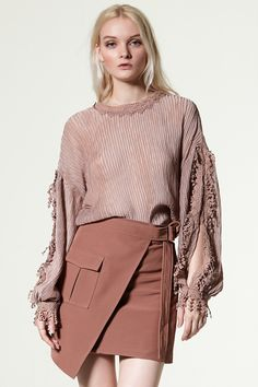 Sessie Belt Skirt Discover the latest fashion trends online at storets.com #Ruffle Sleeve Top  #Frill Layered Sleeve Sweater  #Ruffle Sleeve Top