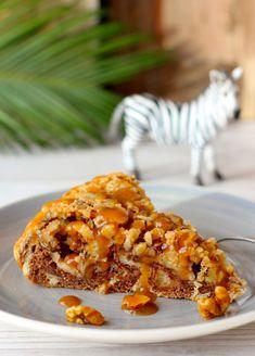 Zebra-Hefe-Kuchen mit Karamel-Nüssen