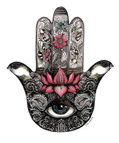 Hoje em dia muito se fala da simbologia secreta e porque tantos artista e celebridades passaram a incorporar estes sinais tanto na suas performances, em poses fotográficas quanto no dia dia para s…