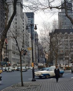Retro Pop Cult - vintageeveryday:     5th Avenue and 60th Street,...