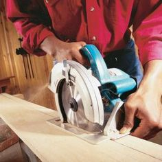 How to Use a Circular Saw: Long Cuts  Learn how to safely saw boards freehand, cut plywood with a straightedge guide and build a ripping jig for accurate cutting with a circular saw